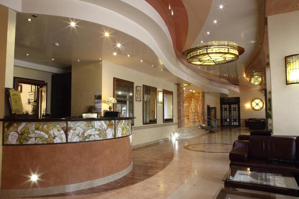 Hol lub recepcja w obiekcie Hotel Lviv