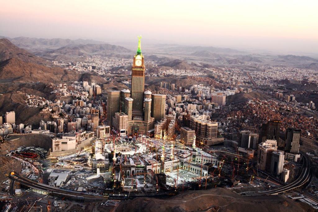 Hotel Retaj Al Bayt Suites Mecca Saudi Arabia Booking Com