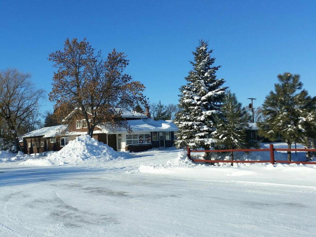 Bison Lodge during the winter