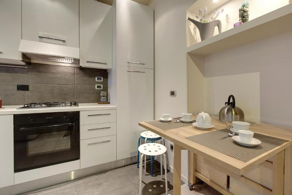 A kitchen or kitchenette at Bargello Guest House