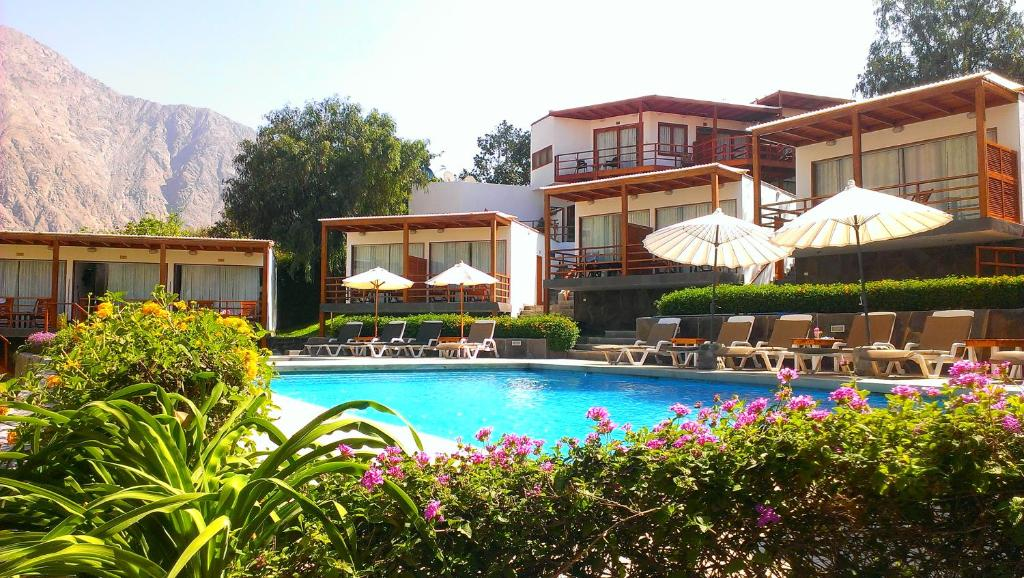 The swimming pool at or close to El Molino Hotel y Restaurant