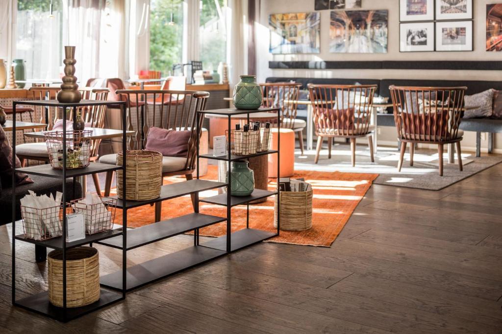 En restaurang eller annat matställe på Hotel Tegnerlunden