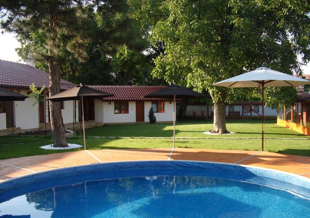 The swimming pool at or near Bolyarski Stan Guest House