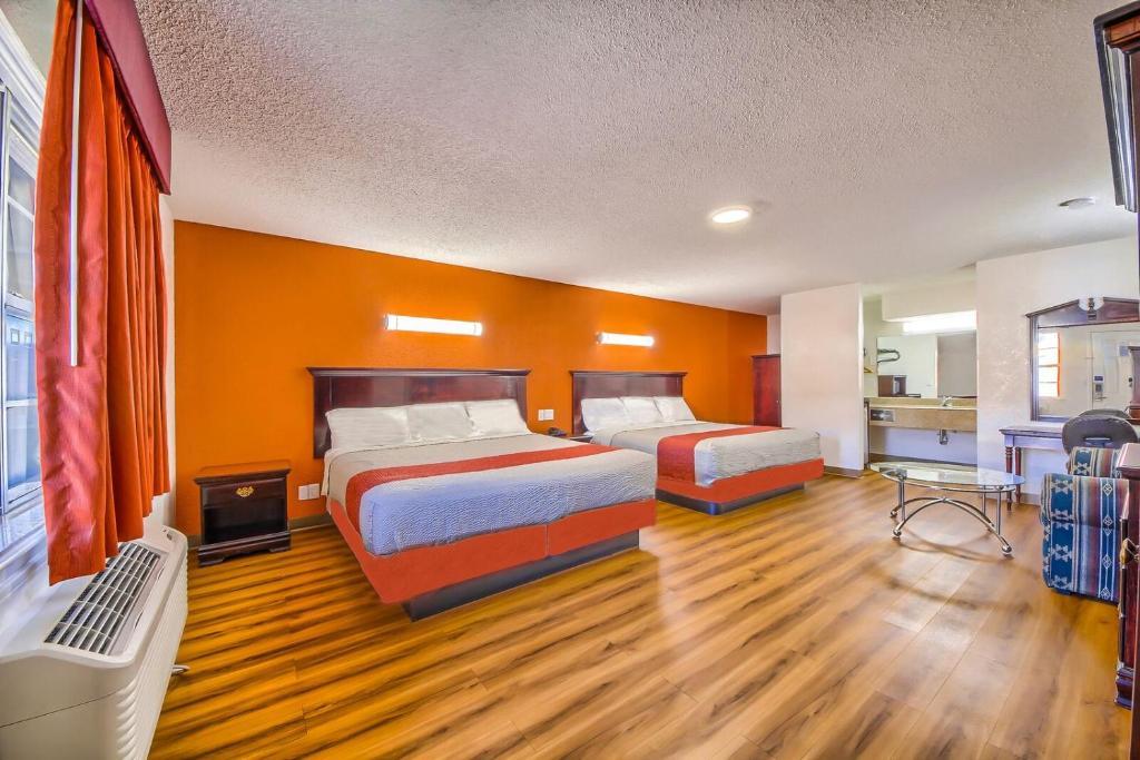 Hillcrest Inn & Suites Ozona