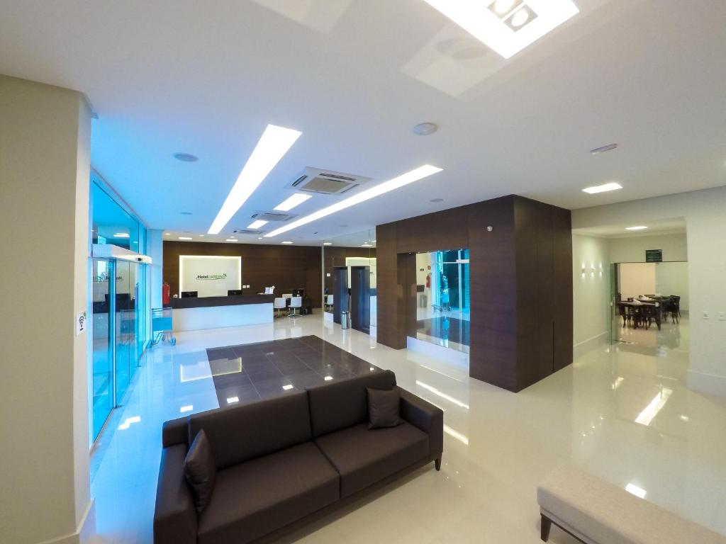 The lobby or reception area at Hotel Jardins