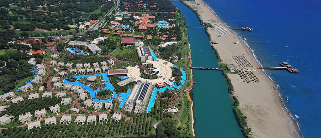 A bird's-eye view of Gloria Serenity Resort