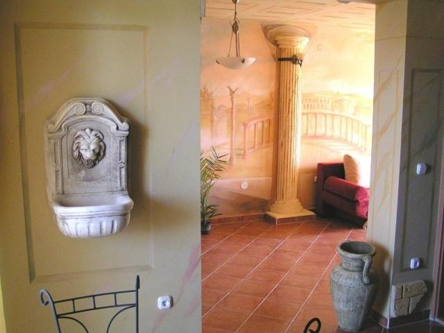 A bathroom at Don Quijote Középkori Panzio és Étterem