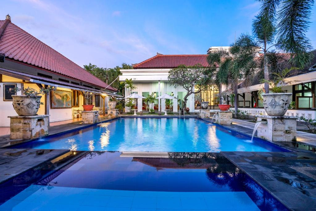 The swimming pool at or close to Inna Bali Heritage Hotel