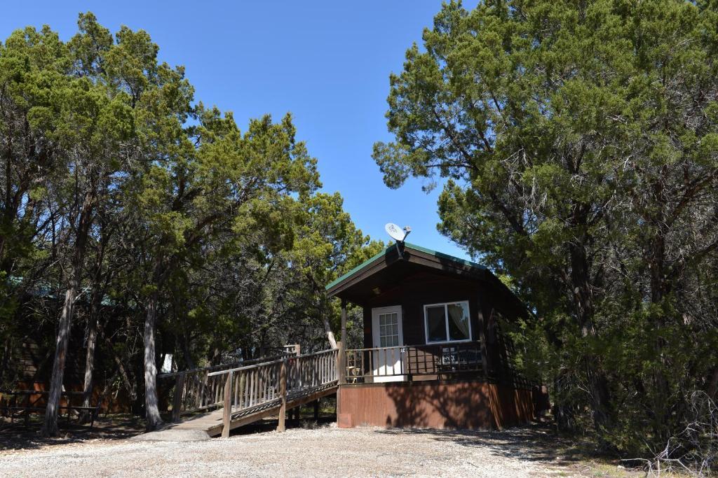 Lake Whitney Camping Resort Ramp Cabin 2