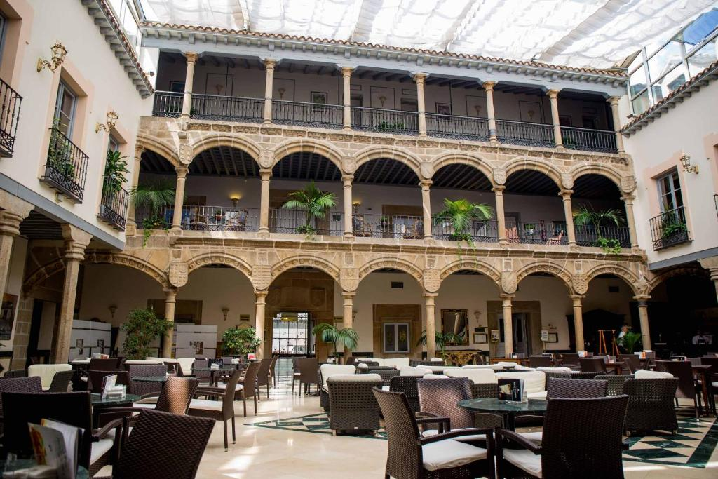 A restaurant or other place to eat at Palacio de los Velada