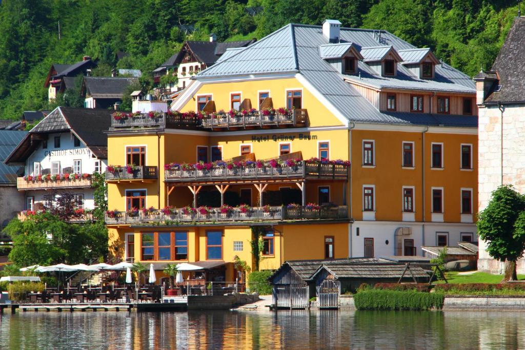 Seehotel Gruner Baum Hallstatt, Austria
