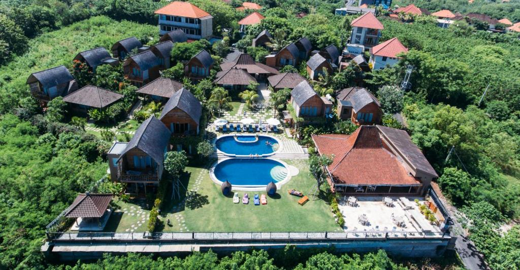 A bird's-eye view of De Sapphire Cliff Villa by Danapati