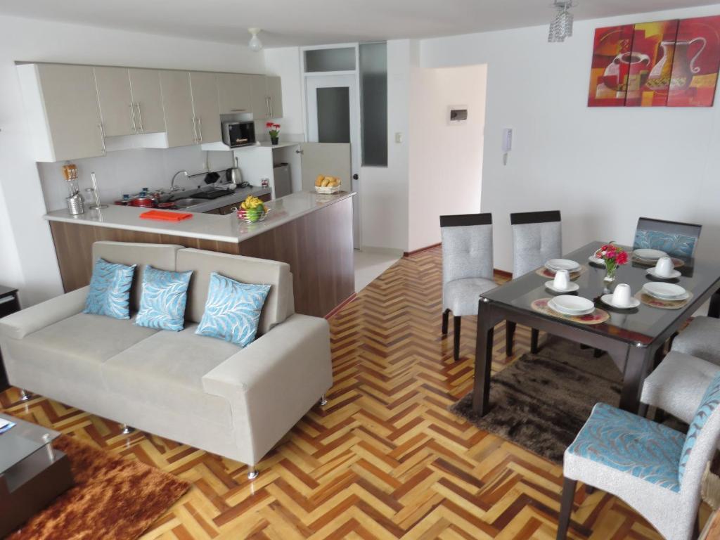 Cuisine ou kitchenette dans l'établissement Apartamentos Quewe