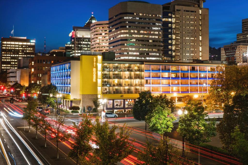 Staypineapple, Hotel Rose, Downtown Portland