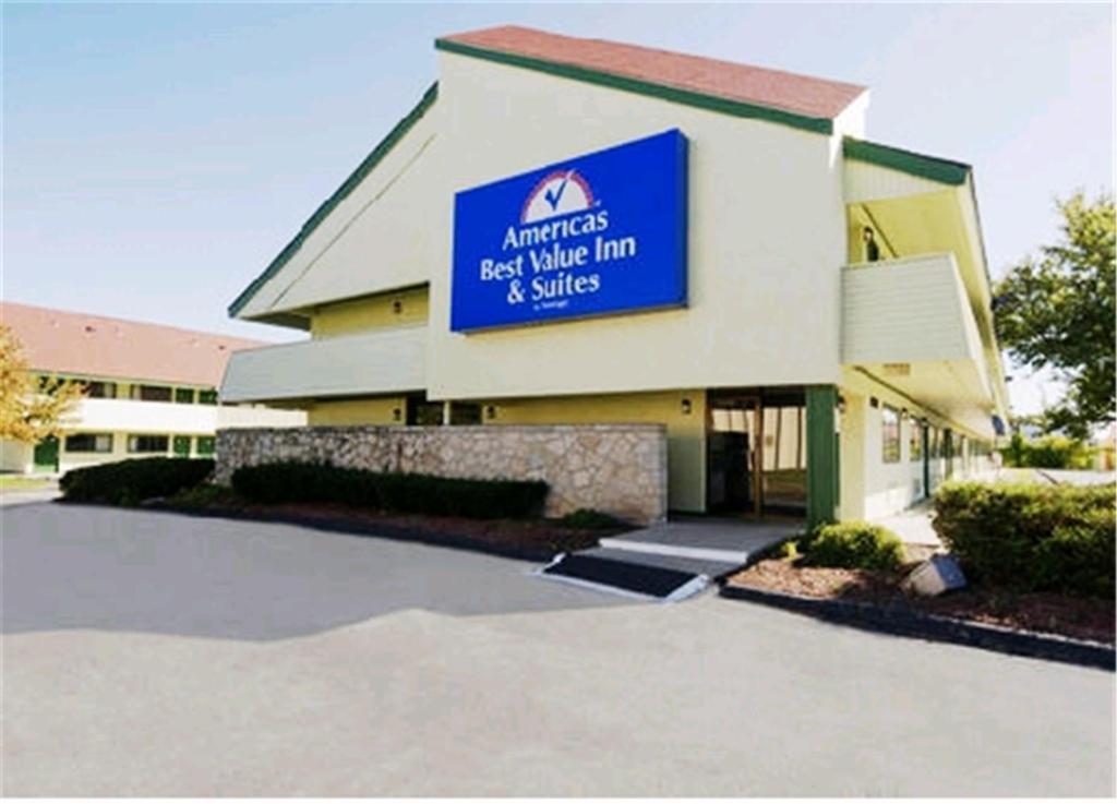 Americas Best Value Inn Kansas City East - Independence