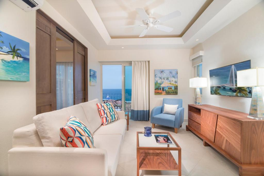 A seating area at V Azul Vallarta - Luxury Vacation Rental Adults Only