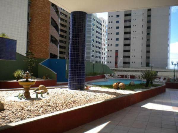 A piscina localizada em Porto de Iracema ou nos arredores