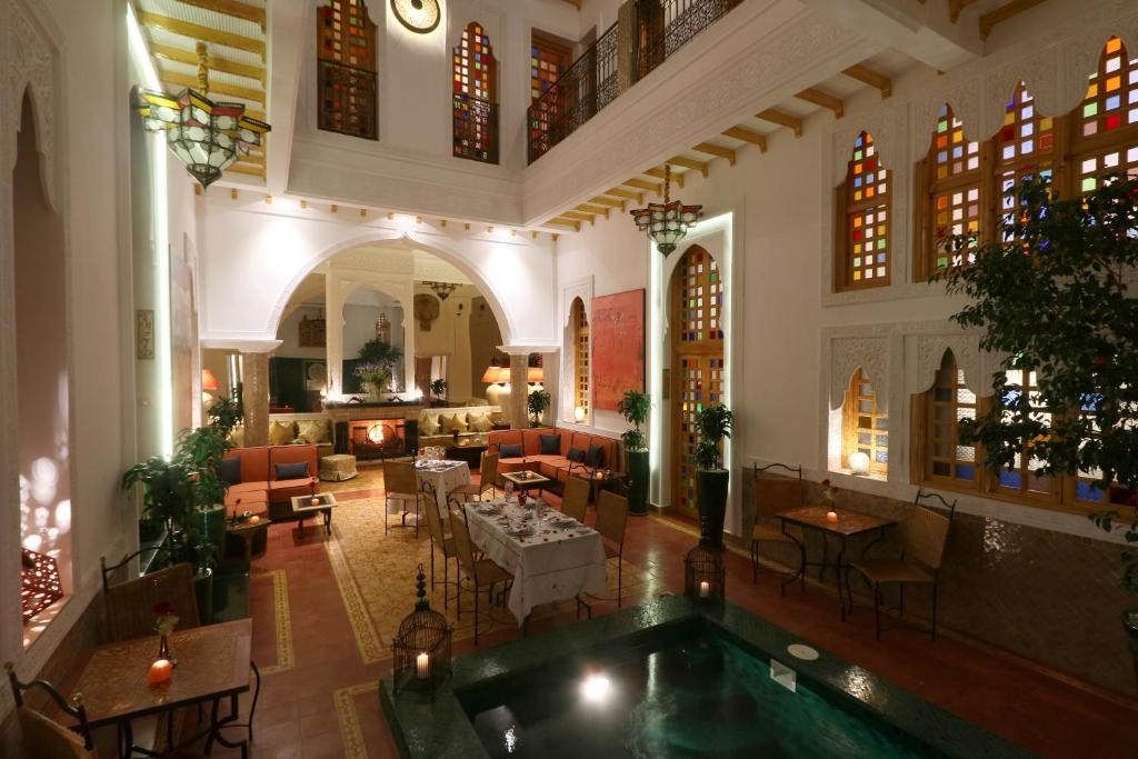 A restaurant or other place to eat at Riad Andalla Spa