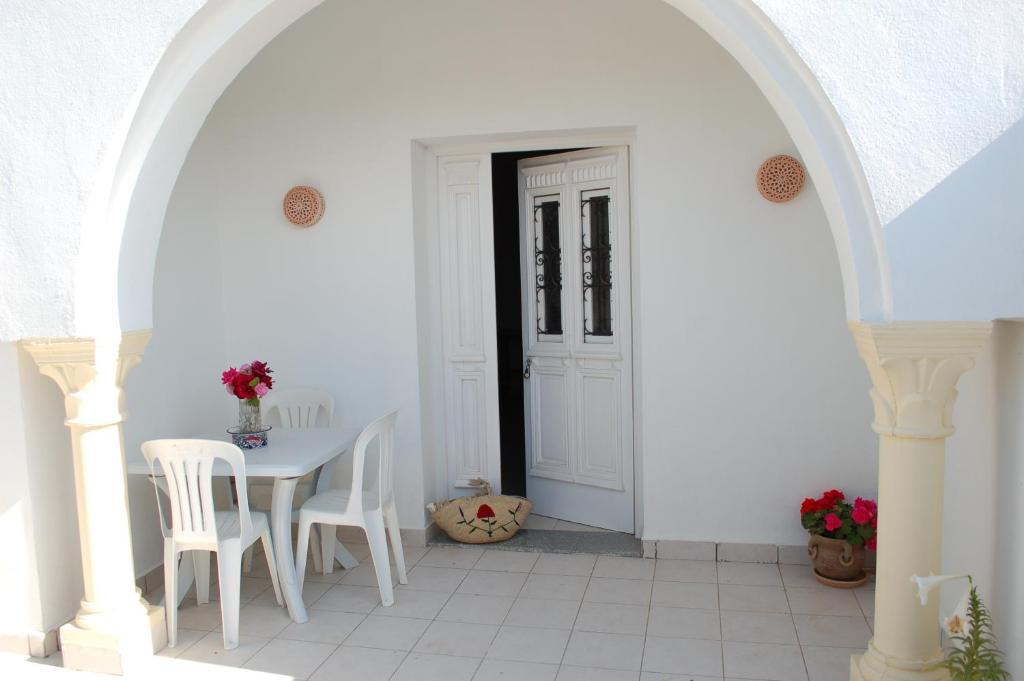 A balcony or terrace at Dar Rayhane