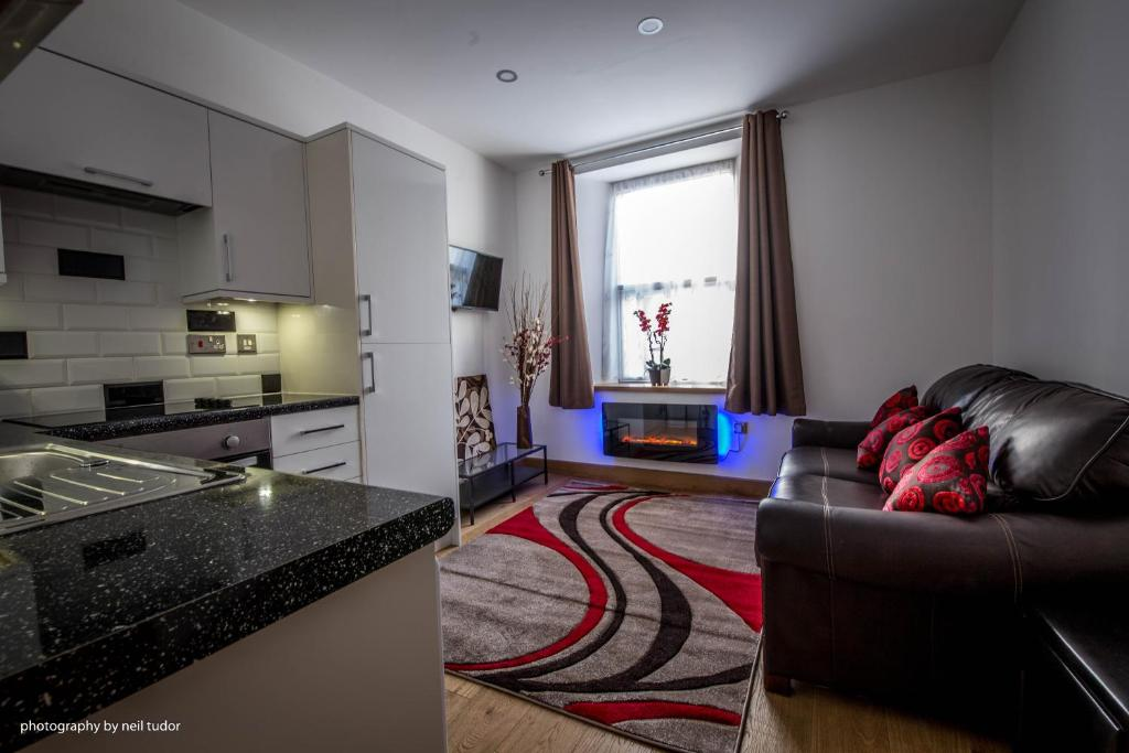 A seating area at Cardiffwalk Serviced Apartments