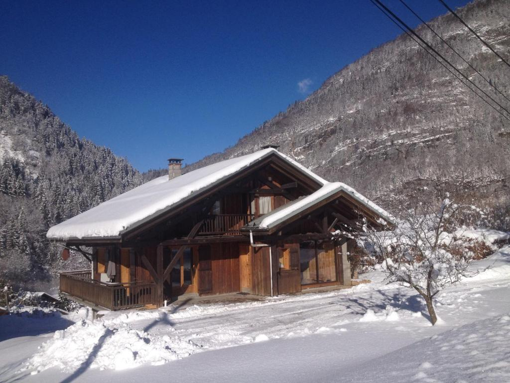 Chalet Narcisse during the winter