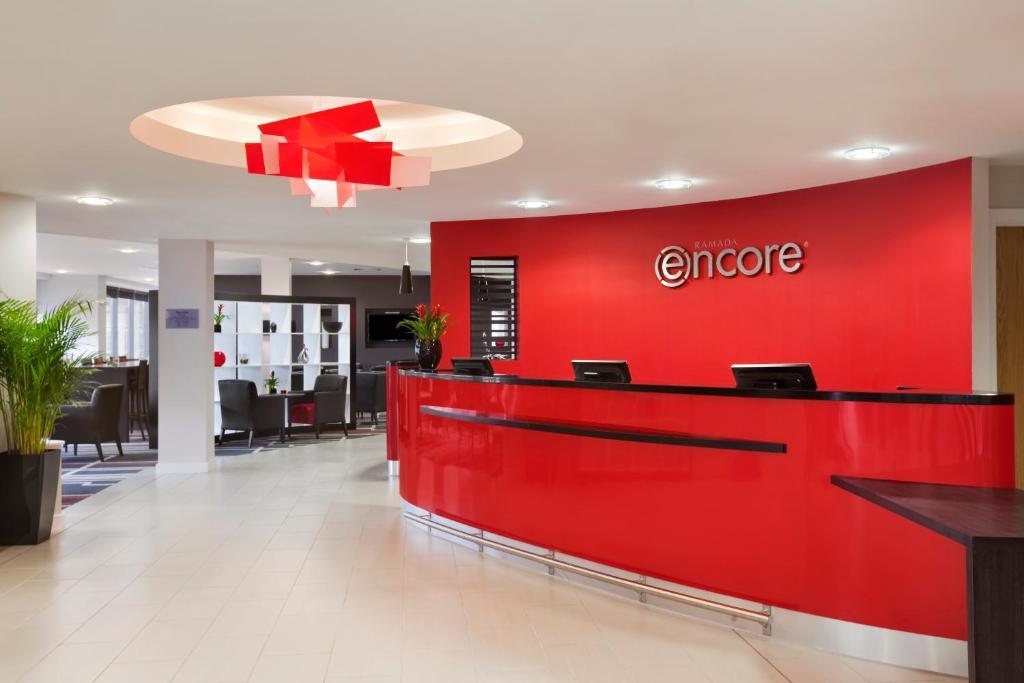 The lobby or reception area at Ramada Encore Newcastle-Gateshead