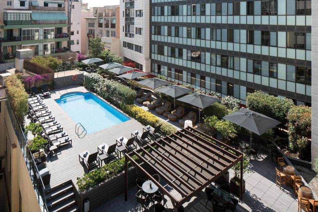 A view of the pool at Catalonia Ramblas 4* Sup or nearby