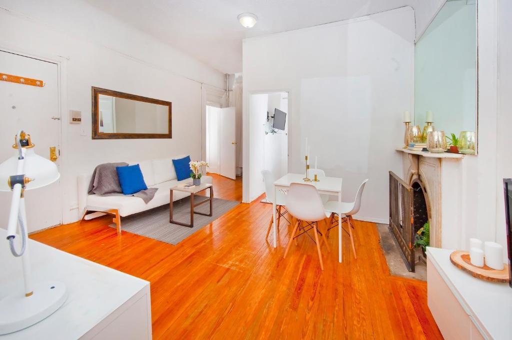 2 Bedroom Apartment Times Sq New York Ny Booking Com