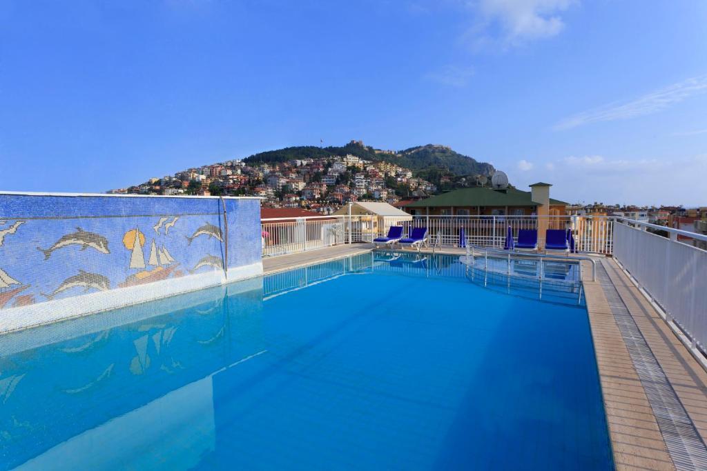 Der Swimmingpool an oder in der Nähe von Kleopatra Aytur Apart Hotel