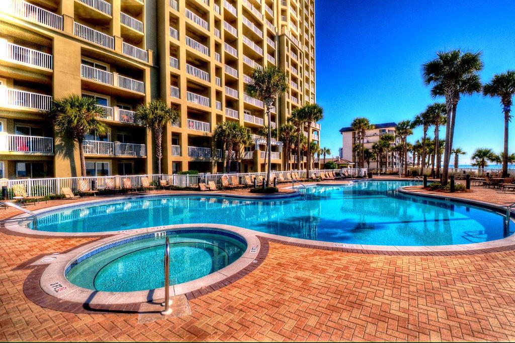 Grand Panama Beach Resort by Book That Condo