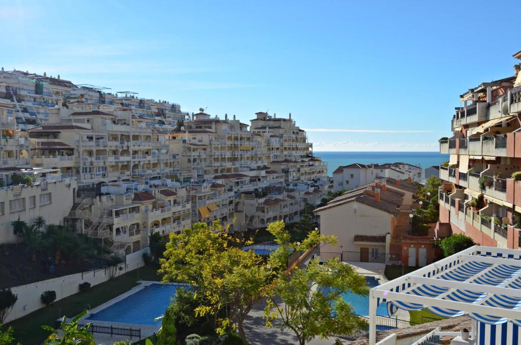 A view of the pool at Apartamento Benalmadena Costa or nearby