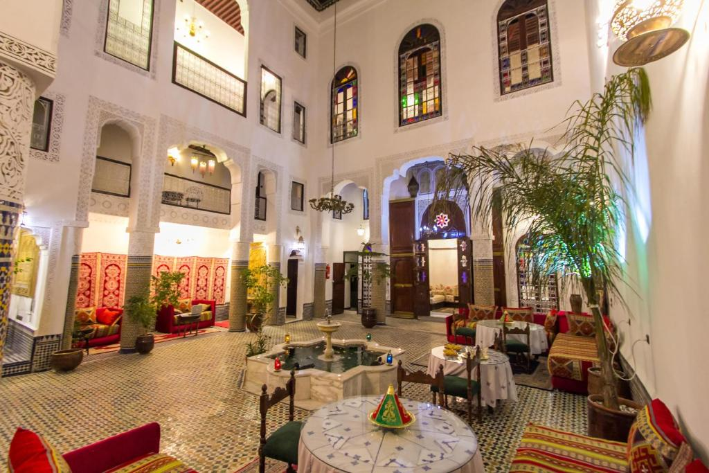 A restaurant or other place to eat at Riad Lalla Zoubida