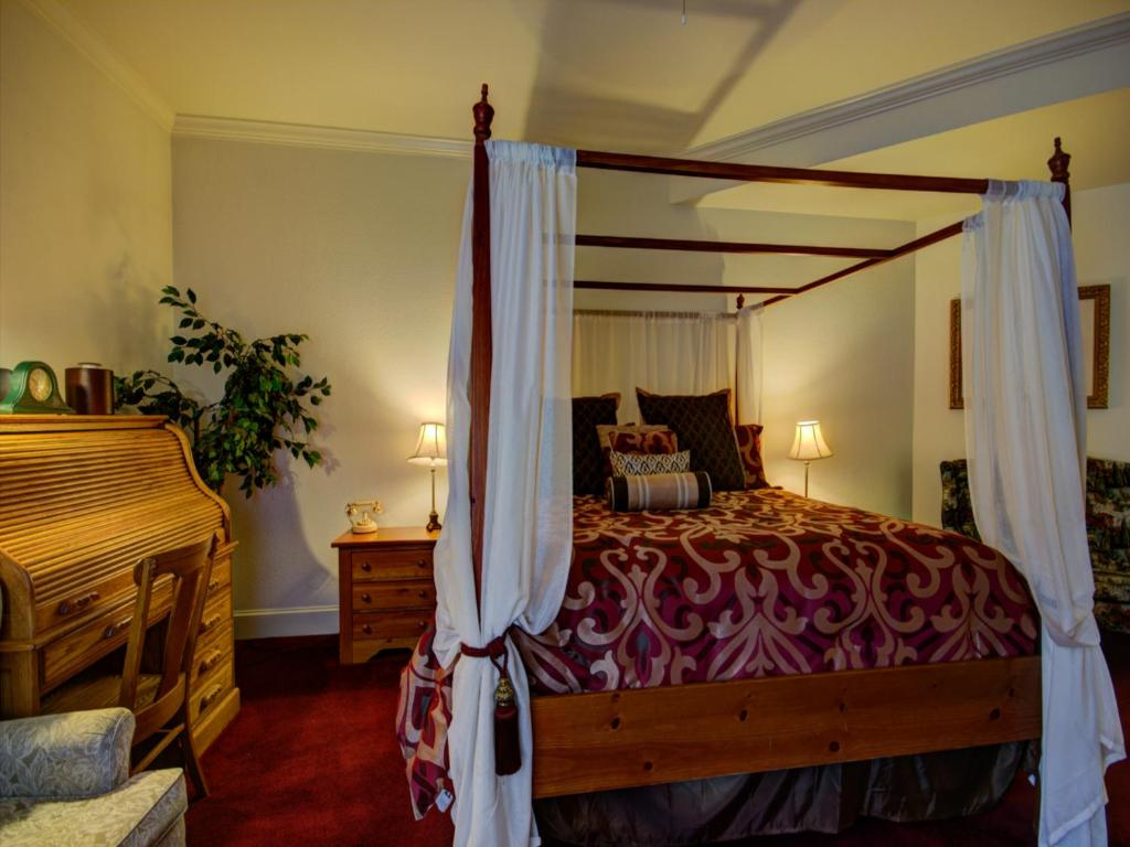 Currier Inn bed and Breakfast