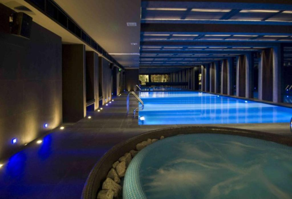 The swimming pool at or close to Budapest Holidays Apartments & Spa