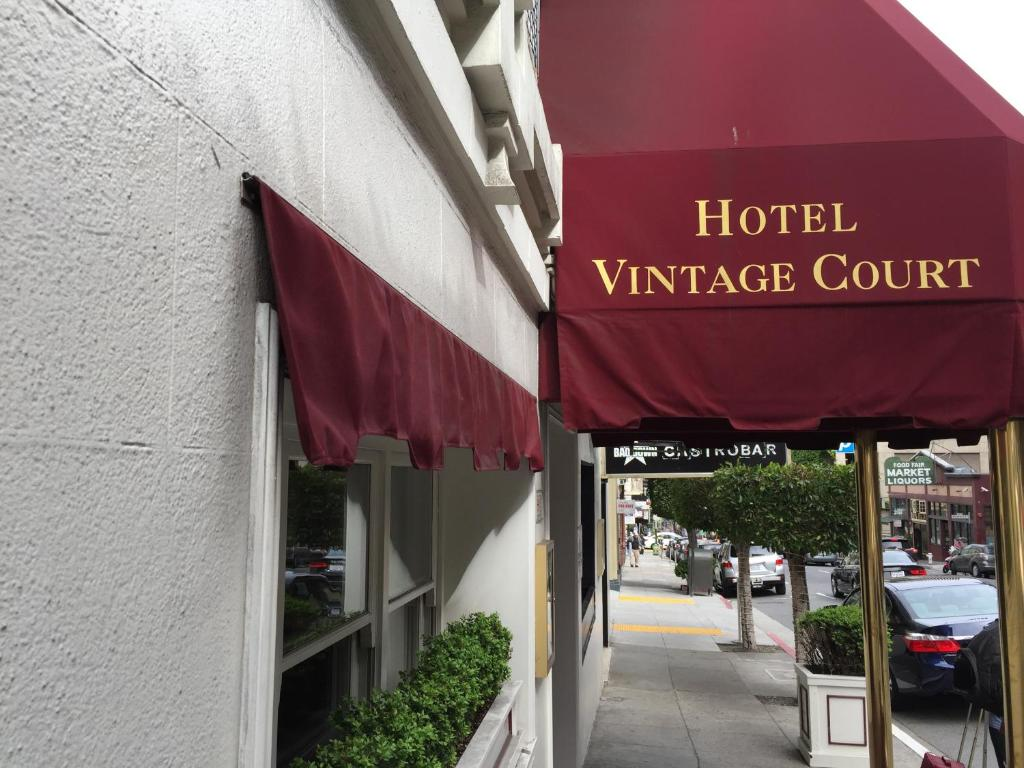 The Executive Hotel Vintage Court.