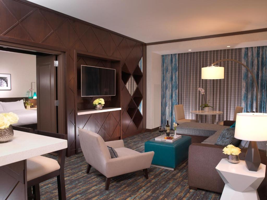Hotel thunder valley casino hollywood casino tunico