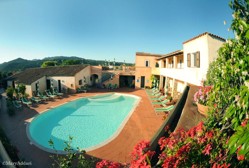 A view of the pool at Hotel Villa Gemella or nearby