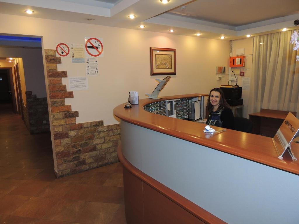 The lobby or reception area at Hotel Sanset
