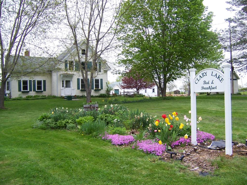 A garden outside Clary Lake Bed and Breakfast