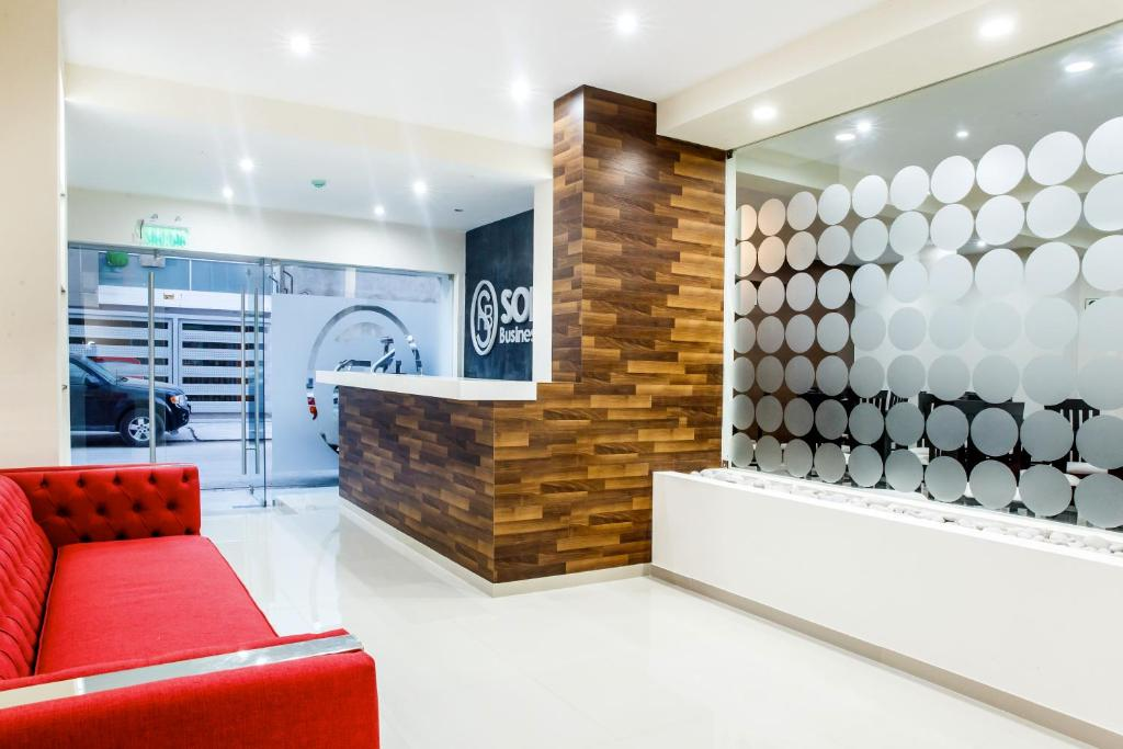 The lobby or reception area at Hotel Solec