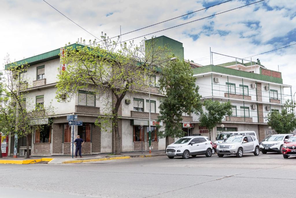 Hostels In Barraquero