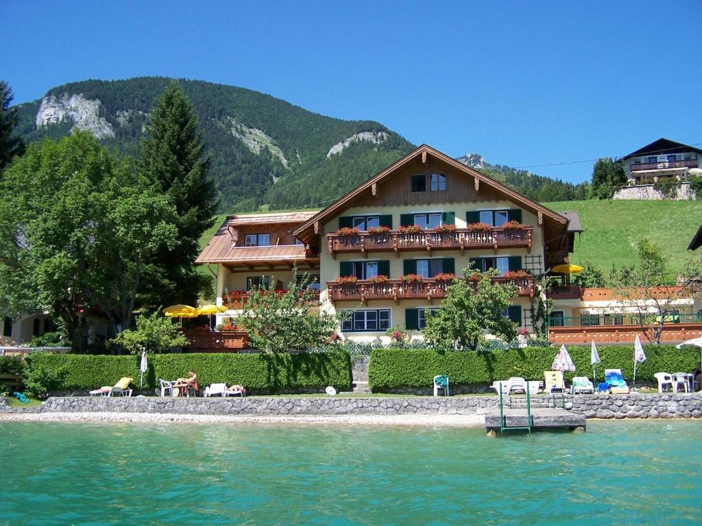 Hotel Garni Buchinger St. Wolfgang, Austria