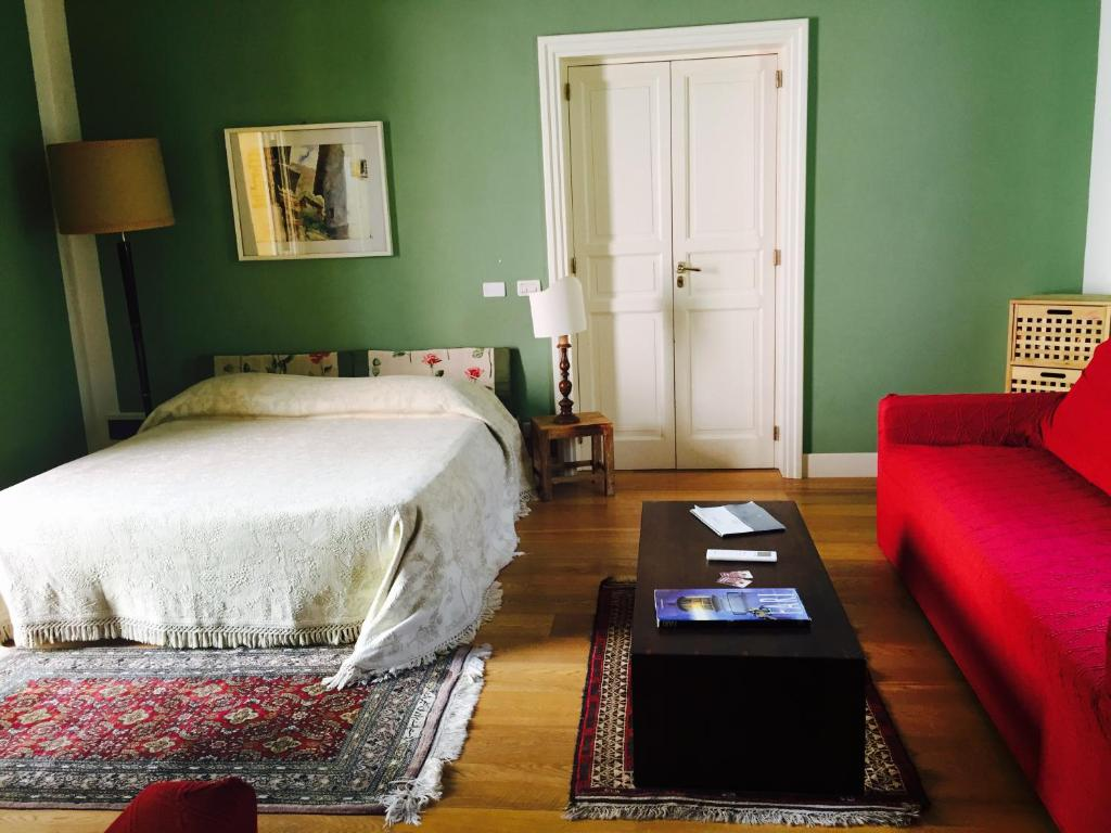 A bed or beds in a room at B&B Case a San Matteo