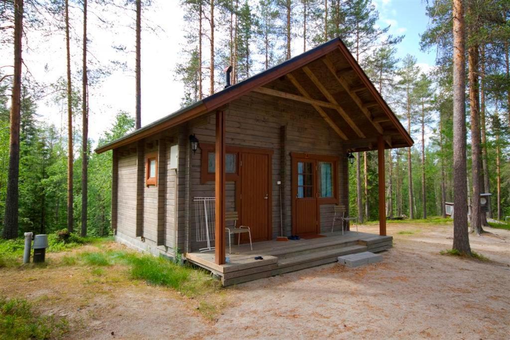 Rakennus, jossa leirintäalue sijaitsee