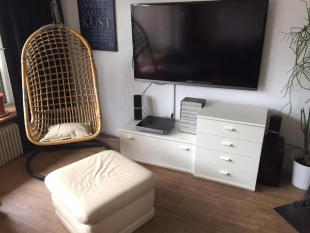 A television and/or entertainment center at Bed & Breakfast Klokgaaf