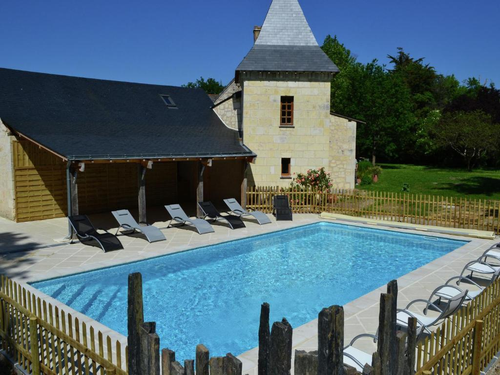 The swimming pool at or near Cozy Holiday Home in Brion with Swimming Pool