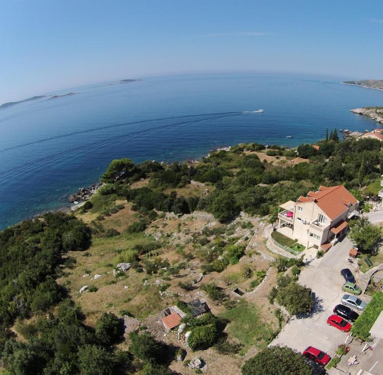 A bird's-eye view of Apartments Lira