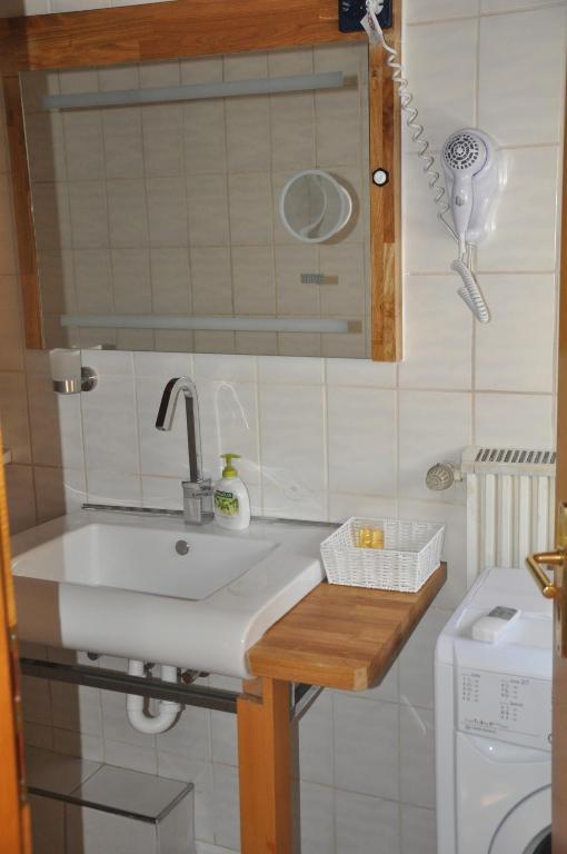 Küche/Küchenzeile in der Unterkunft Ferienwohnung Siegen Eiserfeld