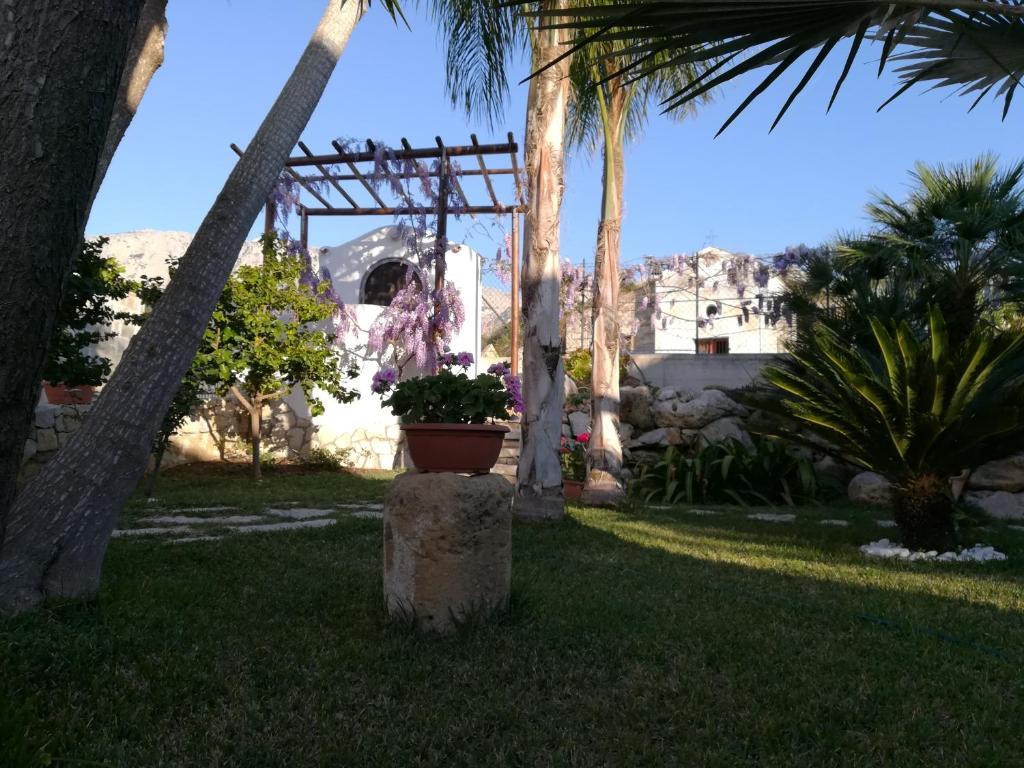 A garden outside Rustico San Leonardo