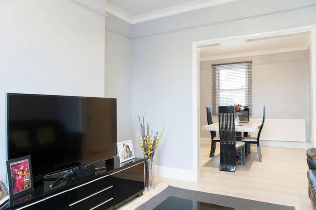 A television and/or entertainment centre at London Home